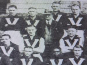 Jack Davis back right won Recorder Cup 1940