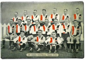 1934-st-kilds-pat-in-team